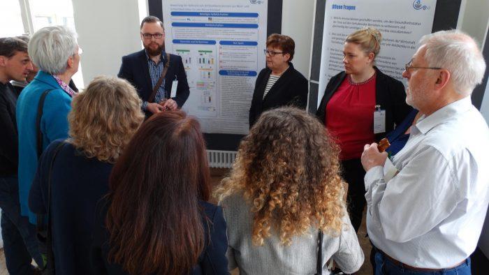 Austausch zu Bildungsmöglichkeiten im Bezug auf die Problematik mit Herrn Mykhailo Savin, Prof. Dr. Brigitte Petersen und Dr. Julia Steinhoff-Wagner